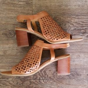 Franco Sarto tan leather sandal shoes 8 1/2 m